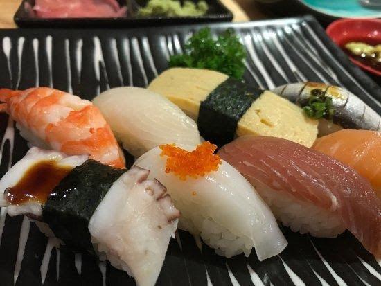 nha hang sushi